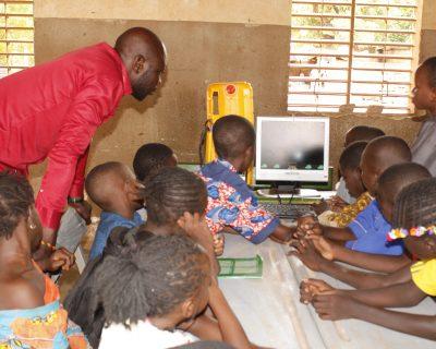Démystification de l'outil informatique aux yeux des enfants